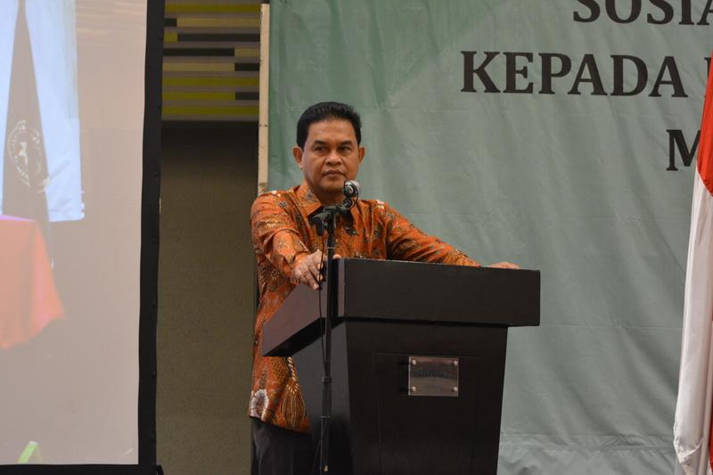 Penyerahan Penghargaan Penerapan E-Court oleh Direktur Jenderal Badan Peradilan Umum kepada Ketua Pengadilan Tinggi Se Indonesia